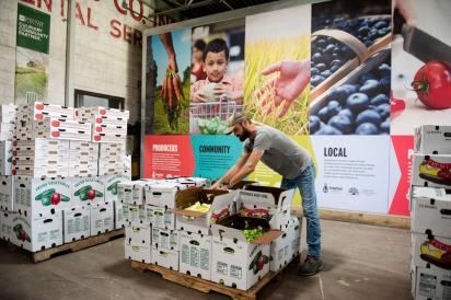 packing up produce at growfood carolina